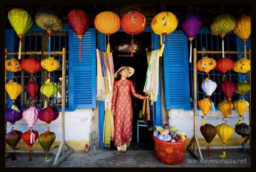 Hội An's floating lanterns in award-winning photo