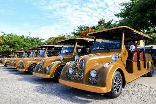 Archaic shuttle buses will be put into operation in Hội An ancient town