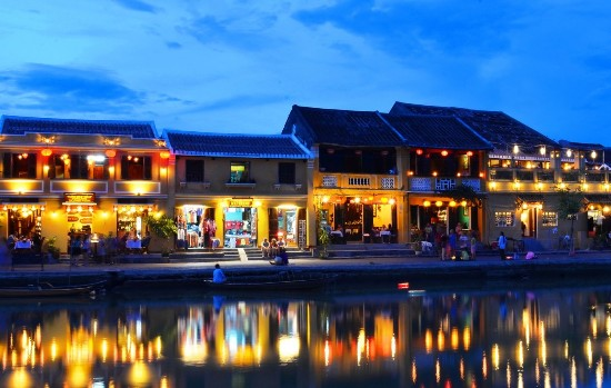 hoai river with sparkling beauty at night